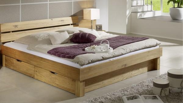 Bett mit Bettkästen 'Lewis' 140x200cm Wildeiche massiv Kopfteil geteilt